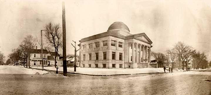 Exterior Oshkosh Public Library, circa 1912.